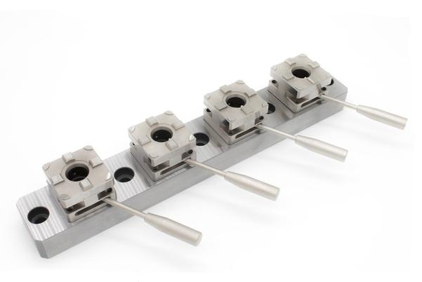 System 3R Macro Compatible Multi Four Chuck System Rail