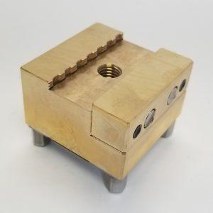 U holder adjustable to electrode